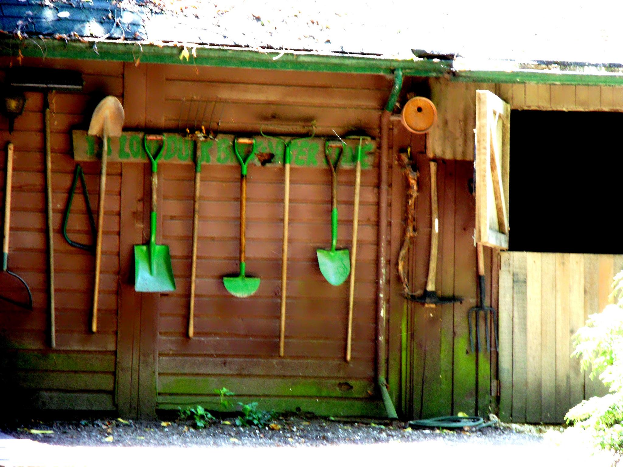 ... Hanging Garden Tools